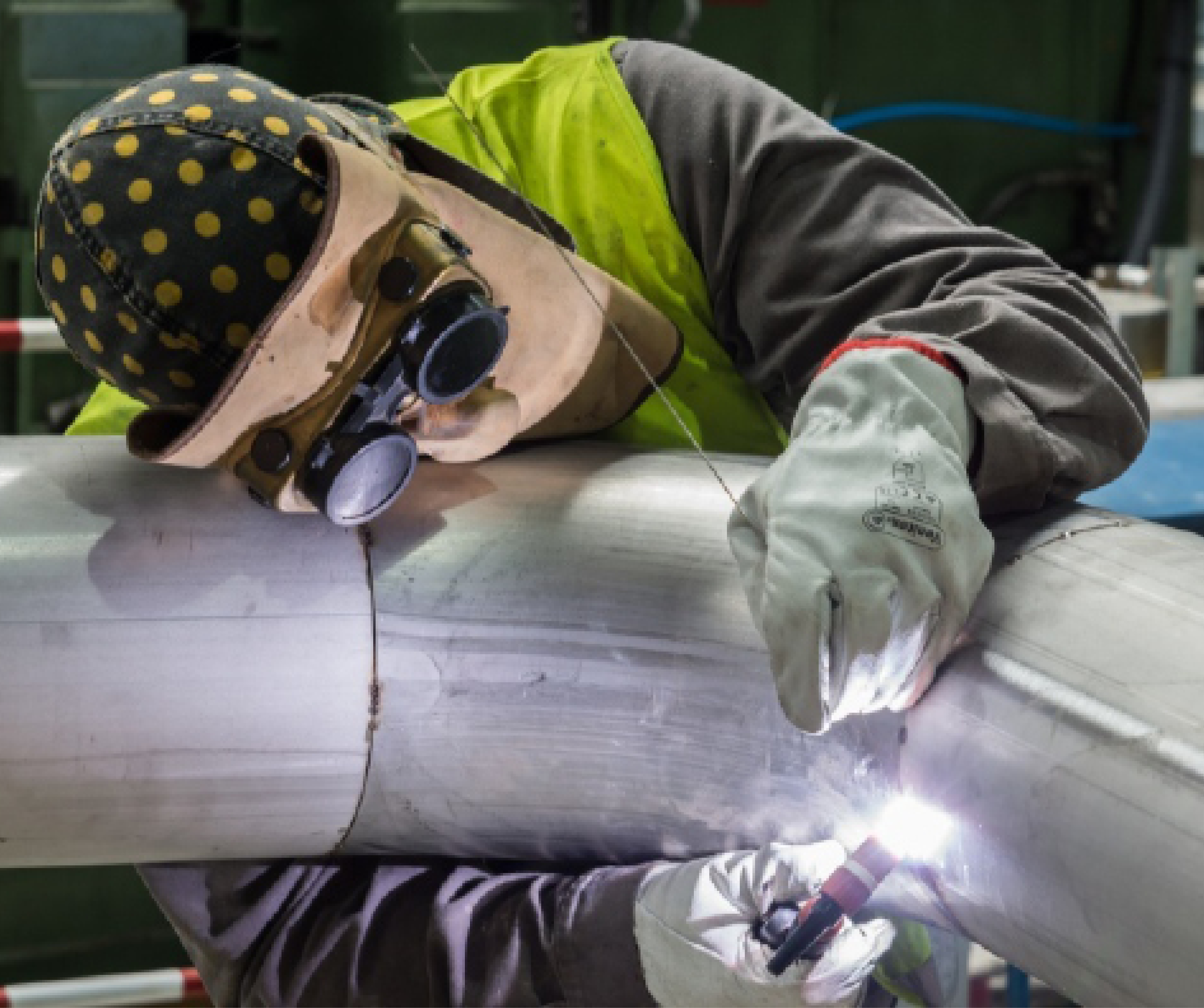 Manual TIG welding versus automated orbital TIG welding